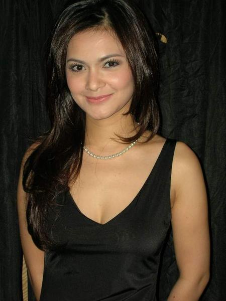 free indonesian actress nude photos