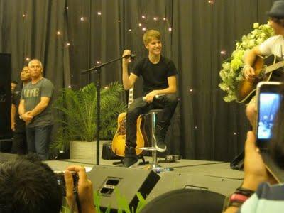 Foto Justin Bieber dan Selena Gomez Berlibur di Bali